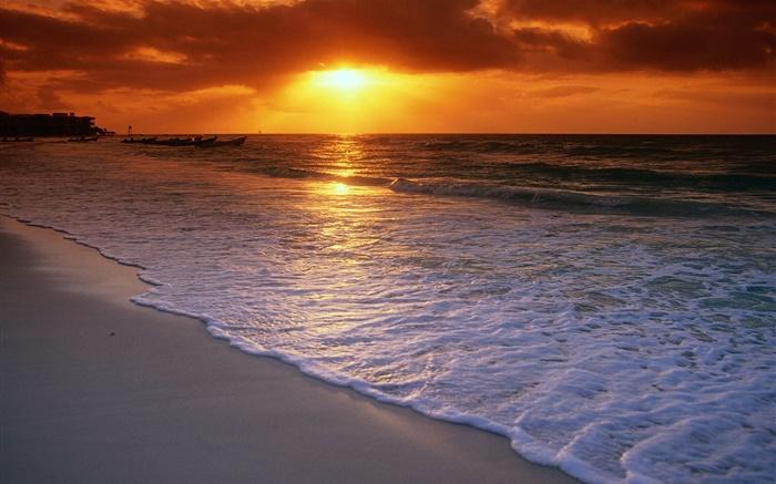 Magnifique coucher de soleil mer plage nuages ciel - Fond ecran coucher de soleil sur la mer ...